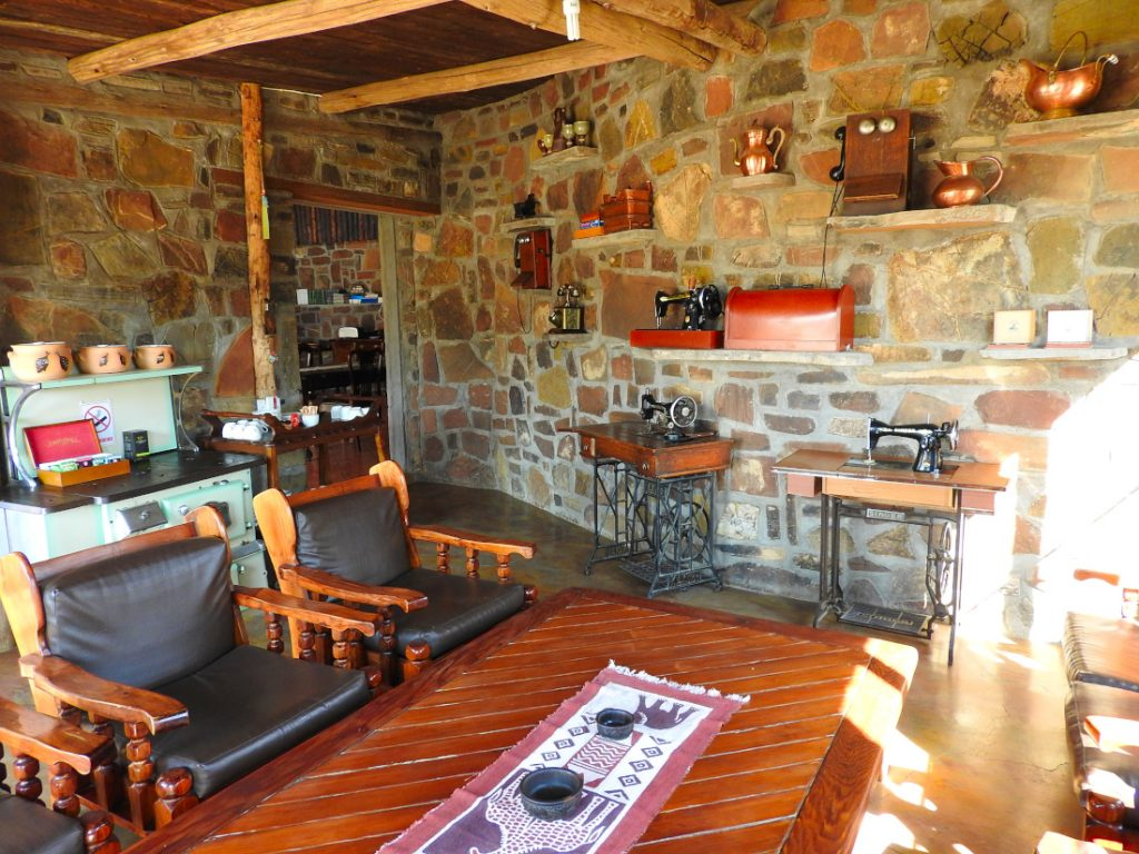 Namibia Namib Naukluft Park Tsauchab River Camp Lounge Iwanowskis Reisen - afrika.de
