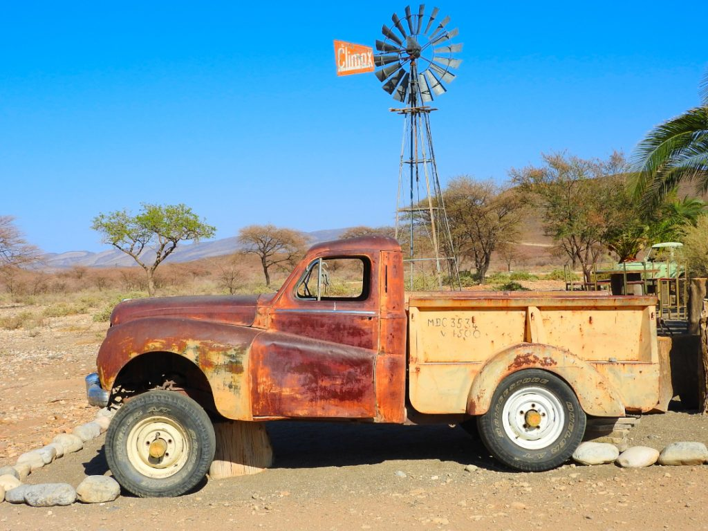 Namibia Namib Naukluft Park Tsauchab River Camp Oldtimer Iwanowskis Reisen - afrika.de