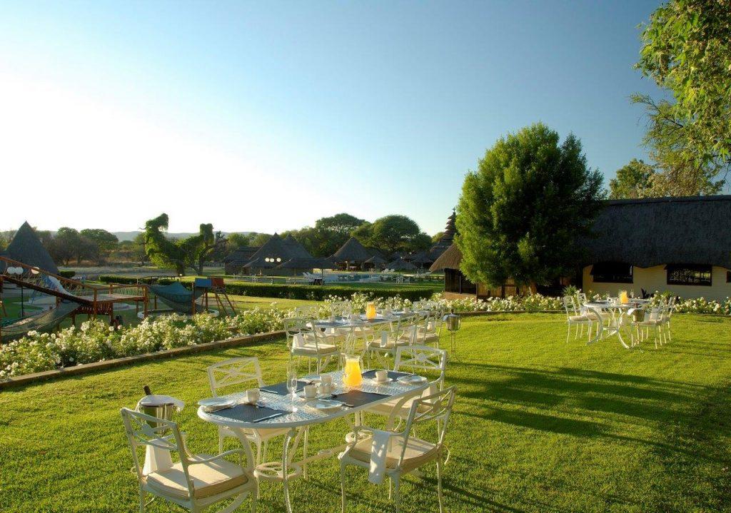 Namibia Okahandja Midgard Country Estate Garten Iwanowskis Reisen - afrika.de