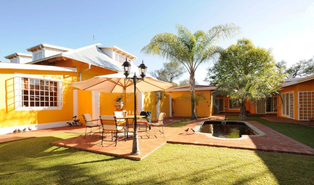 Namibia Windhoek Casa Piccolo Garten Iwanowskis Reisen - afrika.de