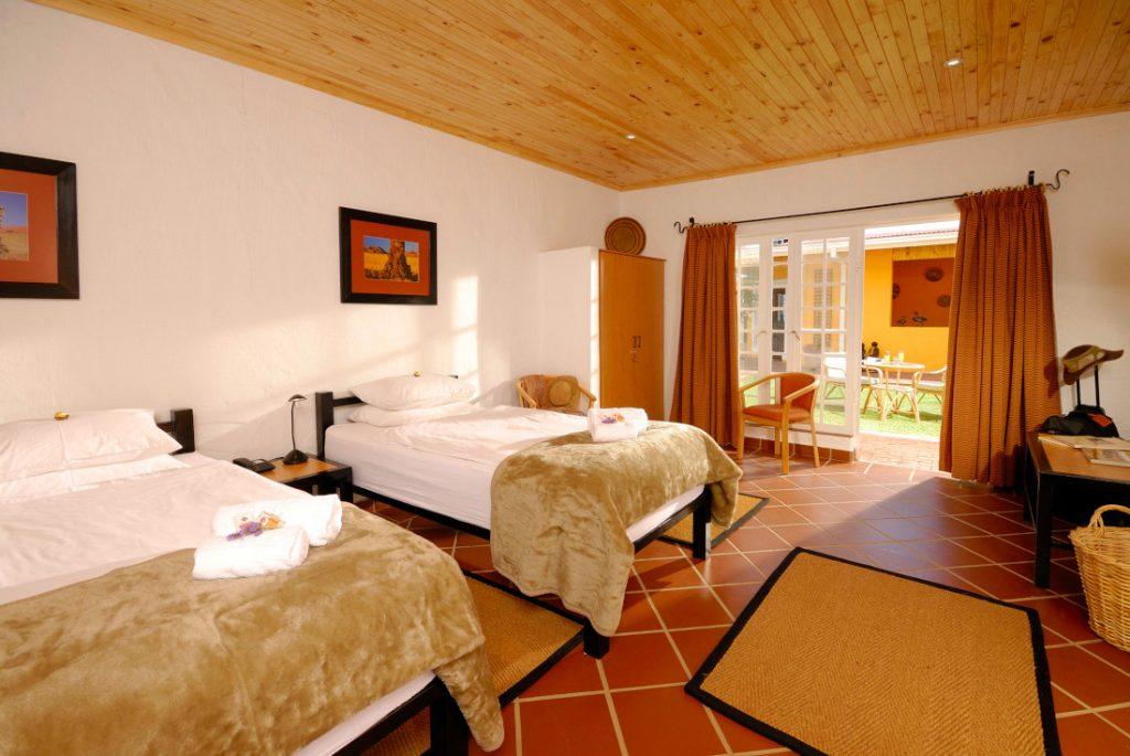 Namibia Windhoek Casa Piccolo Zimmer Iwanowskis Reisen - afrika.de