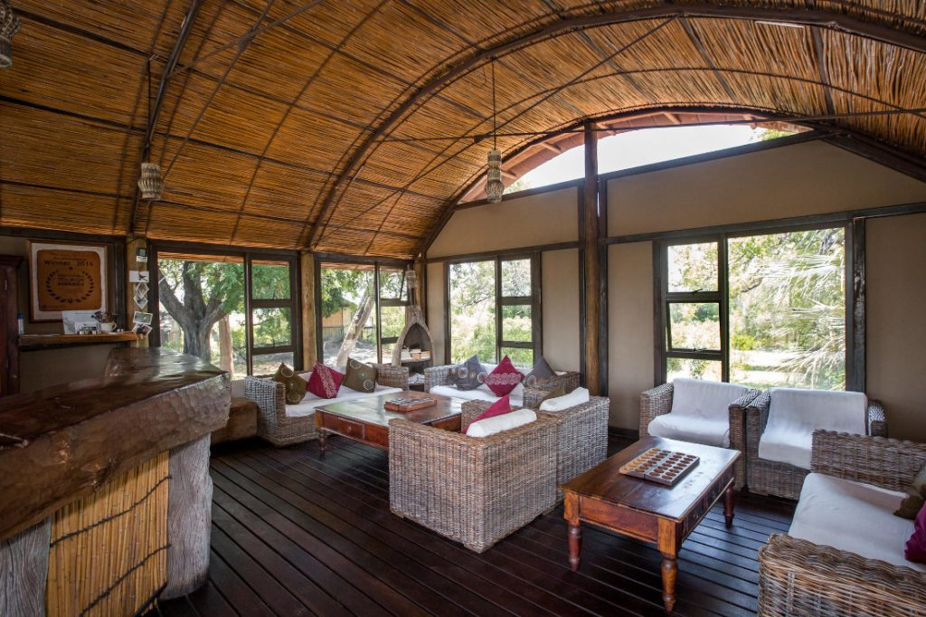 Namibia Caprivi Streifen Nkasa Lupala Tented Lodge Lounge Iwanowskis Reisen - afrika.de