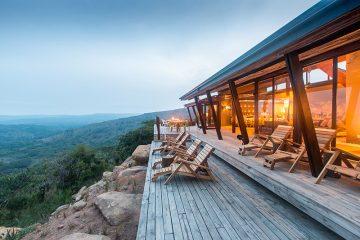 Südafrika Hluhluwe Umfolozi Park Rhino Ridge Safari Lodge Terrasse Iwanowskis Reisen - afrika.de