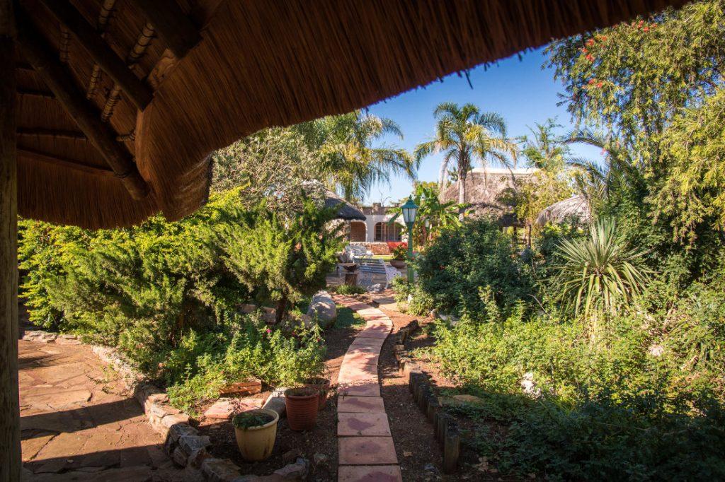 Namibia Otavi Gabus Game Ranch Garten Iwanwoskis Reisen - afrika.de