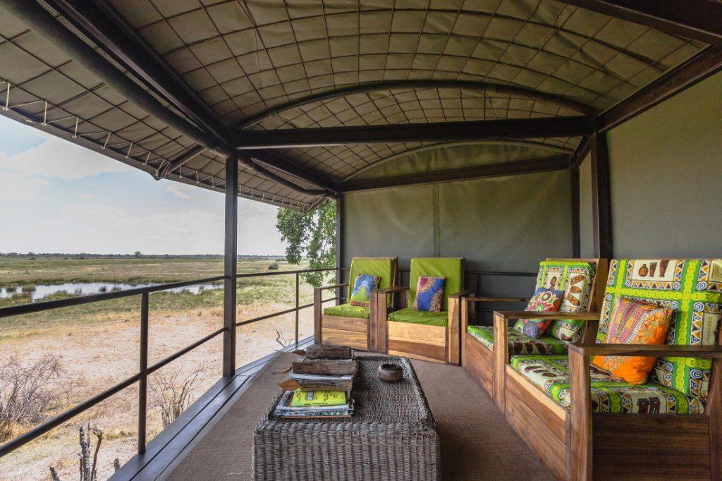 Namibia Caprivi Jackalberry Tented Camp Lounge Iwanowskis Reisen - afrika.de