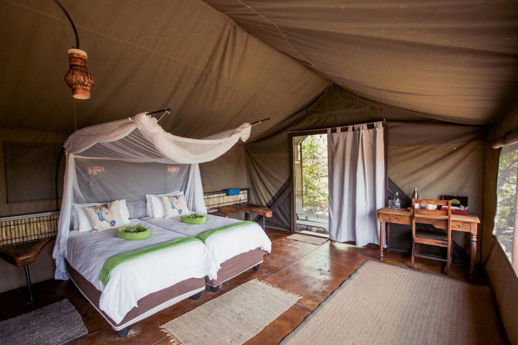 Namibia Caprivi Jackalberry Tented Camp Safarizelt Iwanowskis Reisen - afrika.de