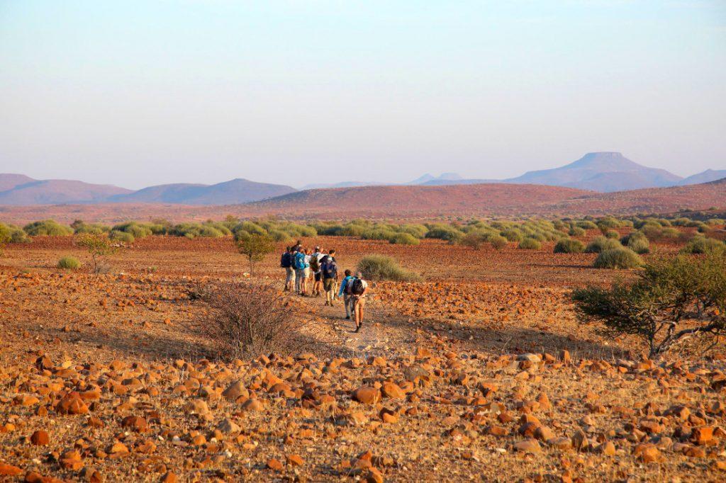 Namibia Palmwag Lodge Wanderung Iwanowskis Reisen - afrika.de