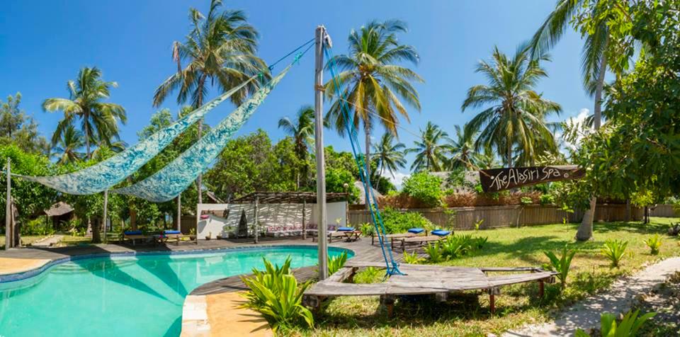 Tansania Mafia Island Pole Pole Eco-Lodge Pool Iwanowskis Reisen - afrika.de