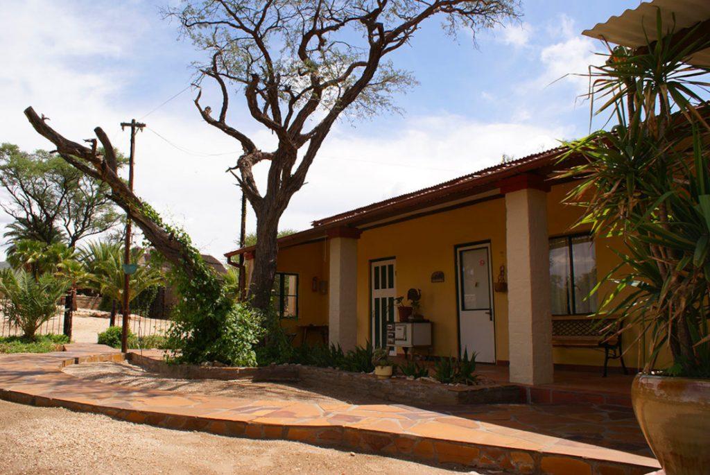 Namibia Windhoek Düsternbrook Gästefarm Kolonialhaus Iwanowskis Reisen - afrika.de