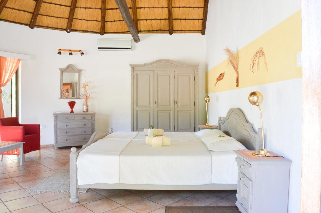 Namibia Omaruru Onduruquea Lodge Standardzimmer Iwanowskis Reisen - afrika.de