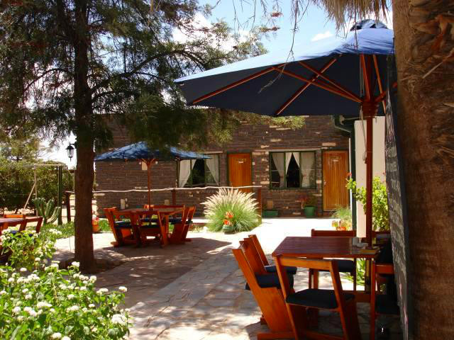 Namibia Helmeringhausen Hotel Gästefarm Terrasse Iwanowskis Reisen - afrika.de