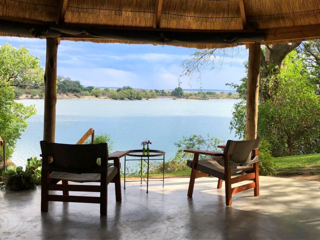 Sambia Livingstone Chundukwa River Lodge Ausblick Iwanowskis Reisen - afrika.de