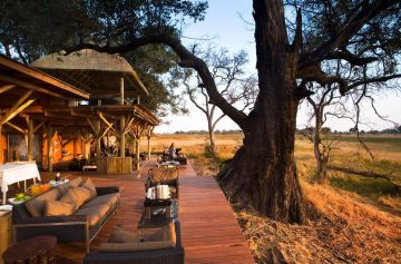 Flugsafari in Botswana zur Xudum Okavango Delta Lodge - afrika.de