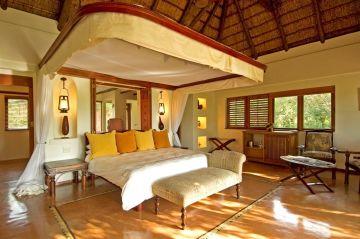 Botswana Flugsafari Chobe Nationalpark Chobe Chilwero Lodge Zimmer - afrika.de
