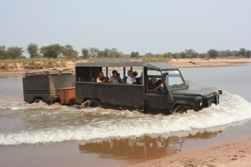 Sambia Flussdurchquerung Iwanowskis Reisen - afrika.de