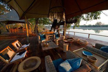 Sambia Chindeni Bush Camp Lounge Iwanowskis Reisen - afrika.de