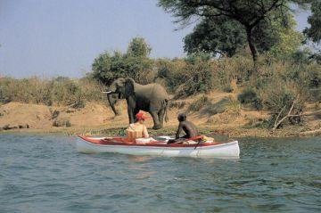 Simbabwe Kanusafari Iwanowskis Reisen - afrika.de