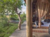Botswana Safari Xudum Okavango Delta Lodge Gästezelt - afrika.de