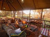 Botswana Khwai Konzession Khwai Tented Camp Lounge - afrika.de