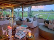 Botswana Reisen Xaranna Okavango Delta Camp Lounge - afrika.de